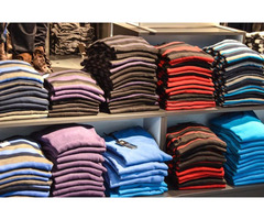 Abbigliamento in Vendita