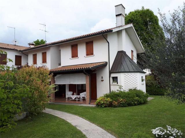 Villa bifamiliare via Enrico Fermi, 2, Paese