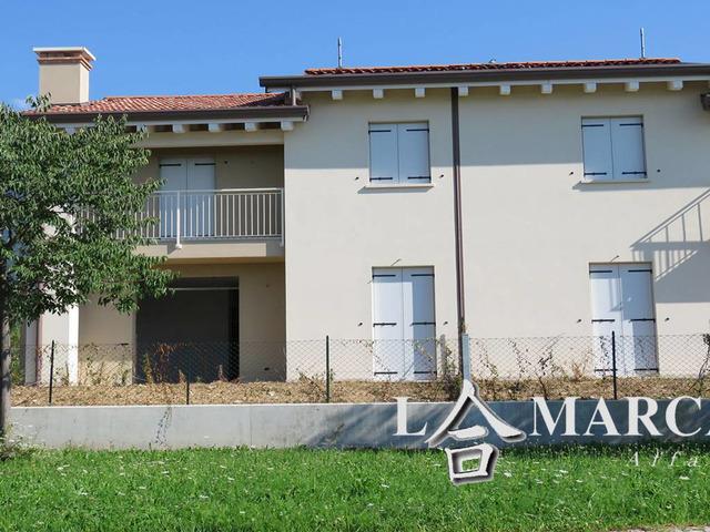 Villa bifamiliare via Monte Asolone 1, Crespano del Grappa